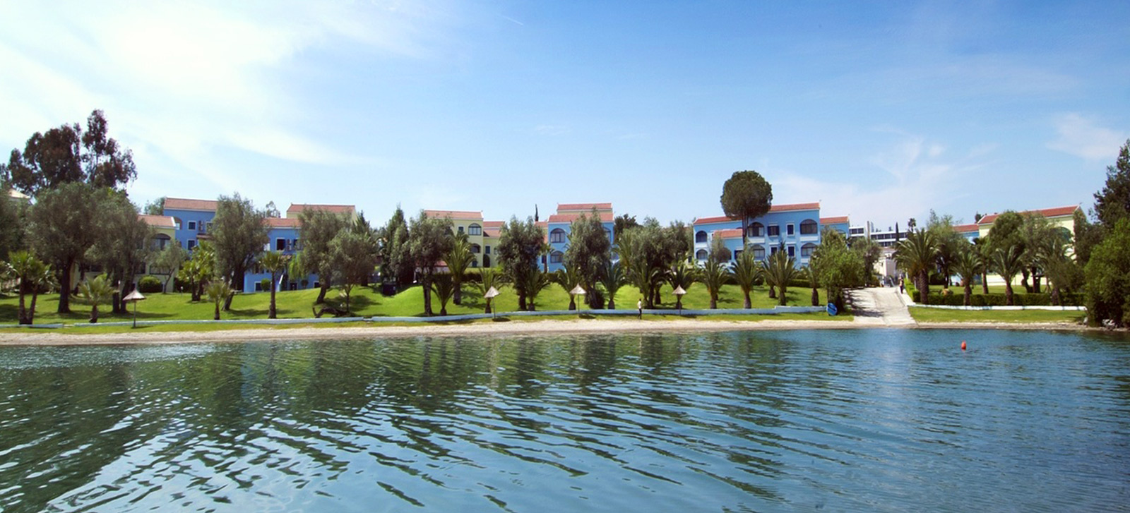 Govino Bay Apartments Resort